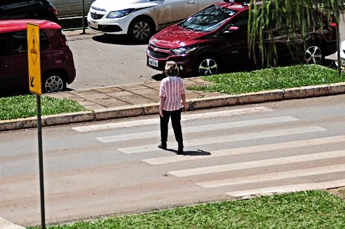 INTERNA 1 - Brasília comemora 22 anos de respeito à faixa de pedestre