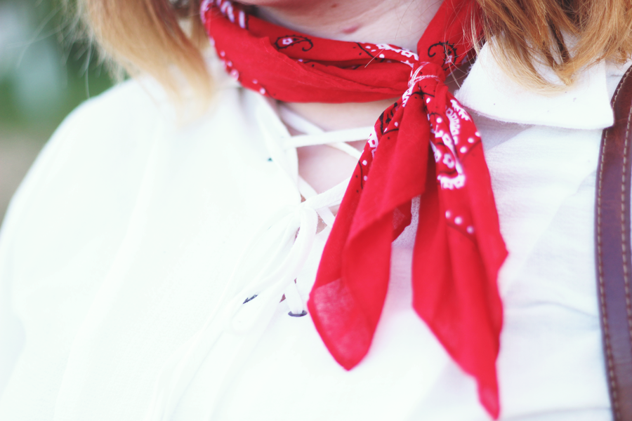 fall outfit, early fall, details, bandanna