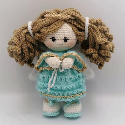 Вязаная кукла ангел-хранитель