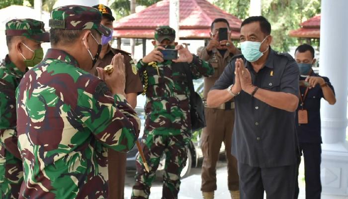 Ketua DPRD Sambut Kedatangan Danrem 141 Toddopuli di Sinjai