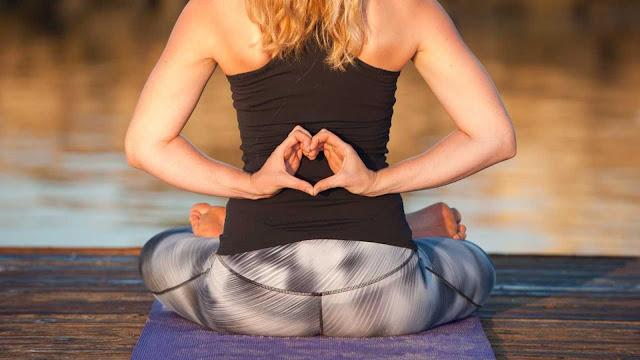 Lý do tại sao mà Yoga tuyệt vời cho trái tim của bạn