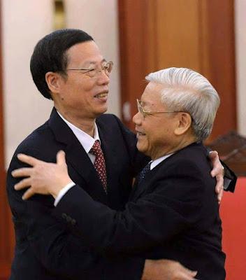 'Dâng' các tỉnh biên giới cho Trung Quốc?