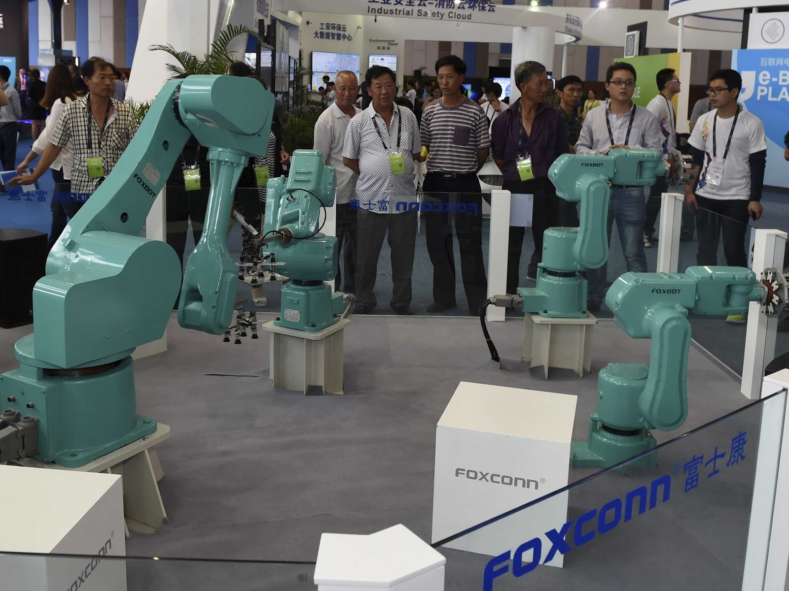 Taiwan iPhone manufacturer replaces Chinese workers with robots