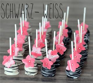 http://melinas-suesses-leben.blogspot.de/2014/06/cake-pops-schwarz-wei-pink-mit-blumchen.html