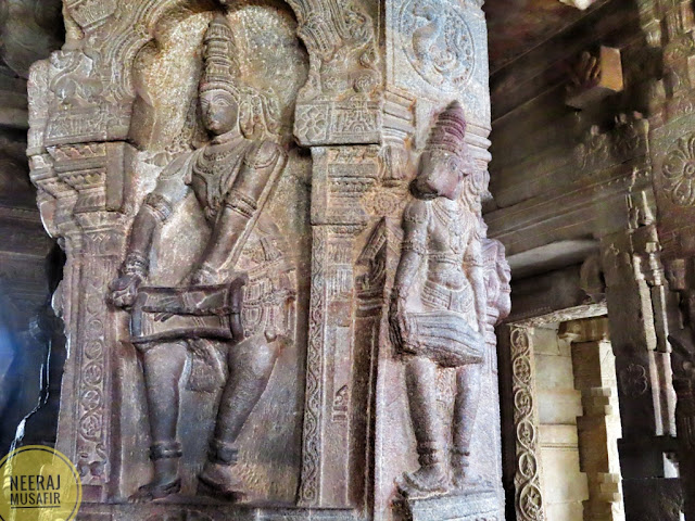 Lepakshi Piller without support