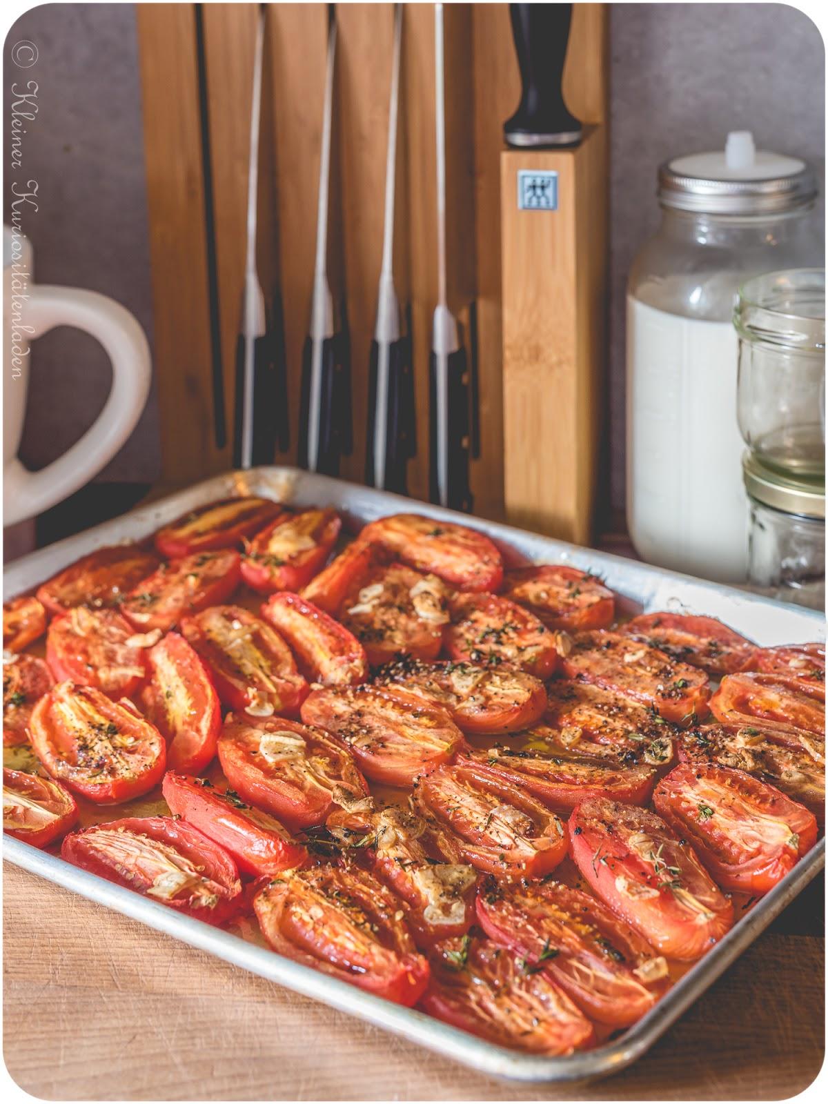 Confierte Tomaten für das Vorratsregal