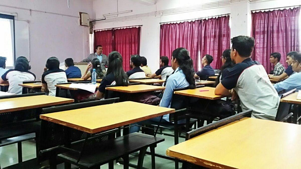 Digital Vishnu - Class Room Digital Marketing Training