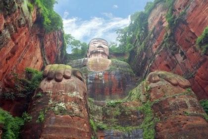 พระพุทธรูปเล่อซาน (Leshan Giant Buddha)