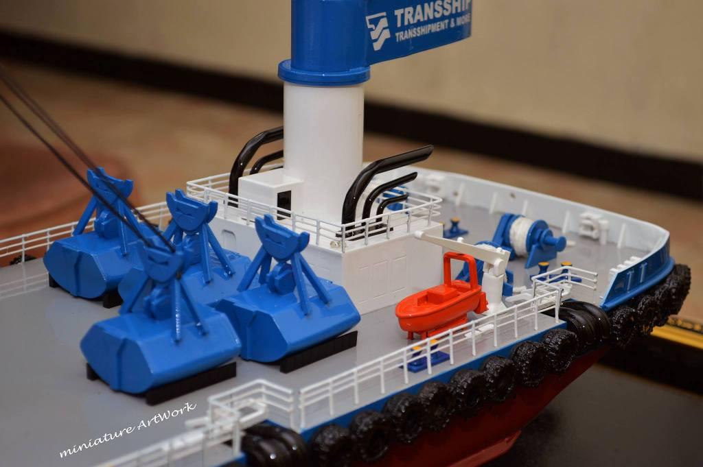 foto miniatur kapal atlas double crane ship transship fleet