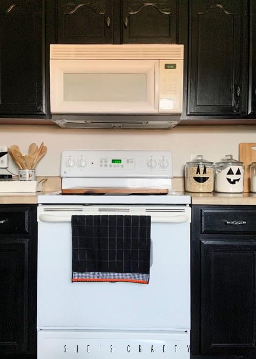 Halloween Hand towel  |  easy diy  |  Halloween Home Decor