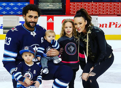 Dustin Byfuglien with his family