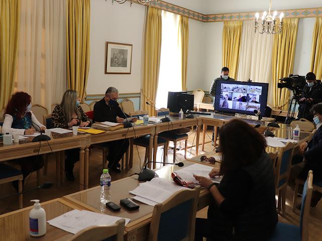 Περιφέρεια Πελοποννήσου: Isobox σε δομές υγείας -  Έγκριση διακήρυξης για συντήρηση της επαρχιακής οδού Άργος - Κουτσοπόδι