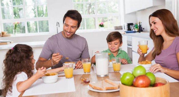 12 Tips tampil fit dan fresh tanpa obat-obatan, Biasakan Sarapan Pagi menu sarapan pagi ringkas, koleksi resepi menu sarapan pagi yang baik sehat dan bergizi untuk diet, pentingnya sarapan pagi sehat dan praktis untuk diet, resep menu sarapan pagi yang sehat dan praktis untuk anak sekolah, sarapan pagi yang sehat untuk kanak-kanak mudah dan tidak bikin gemuk, family eating healthy breakfast