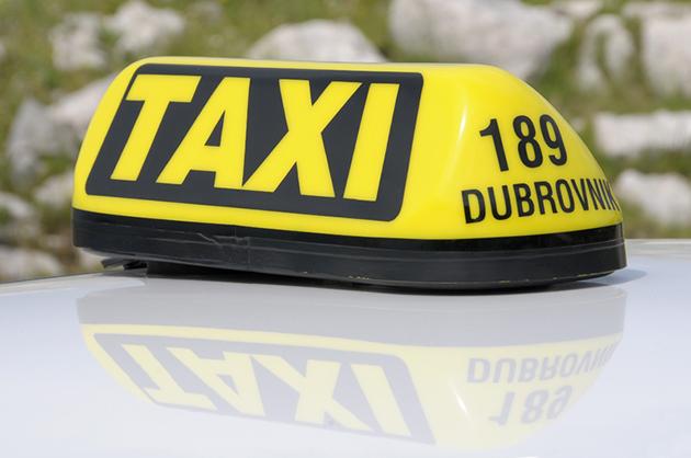 http://www.diariosdeunfotografodeviajes.com/2010/06/taxi-en-dubrovnik.html