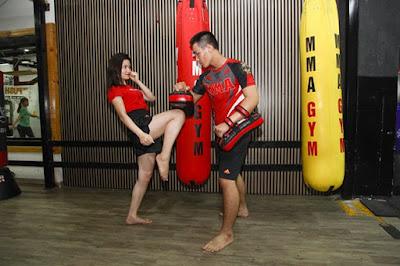 tập kickboxing giảm cân cho nữ