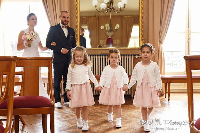 entrée des mariés dans la mairie de fontenay le comte