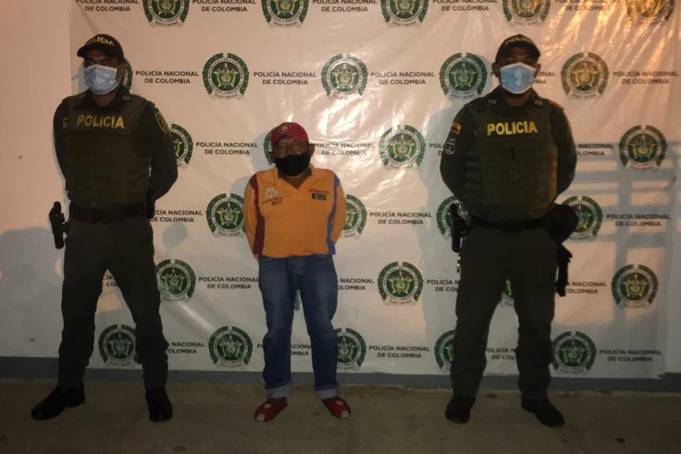 https://www.notasrosas.com/Por Acceso Carnal Violento, es capturado en Uribia