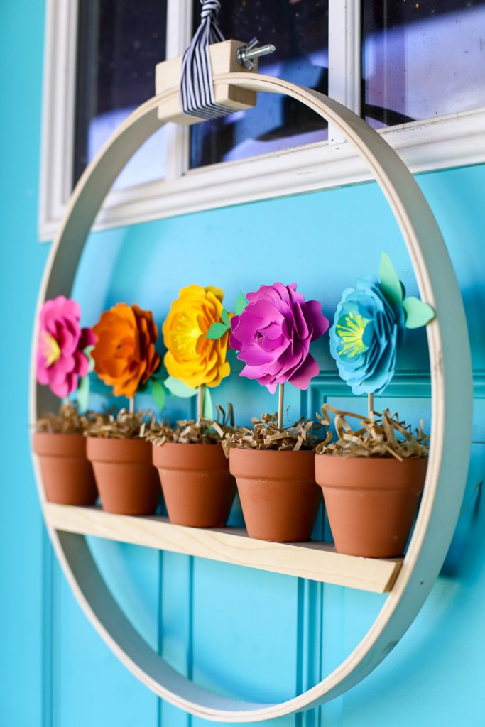 Mini Flower Pot Spring Wreath - Sugar Bee Crafts