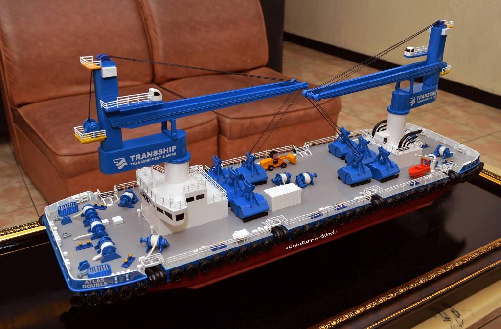 miniatur kapal atlas double crane ship transship murah