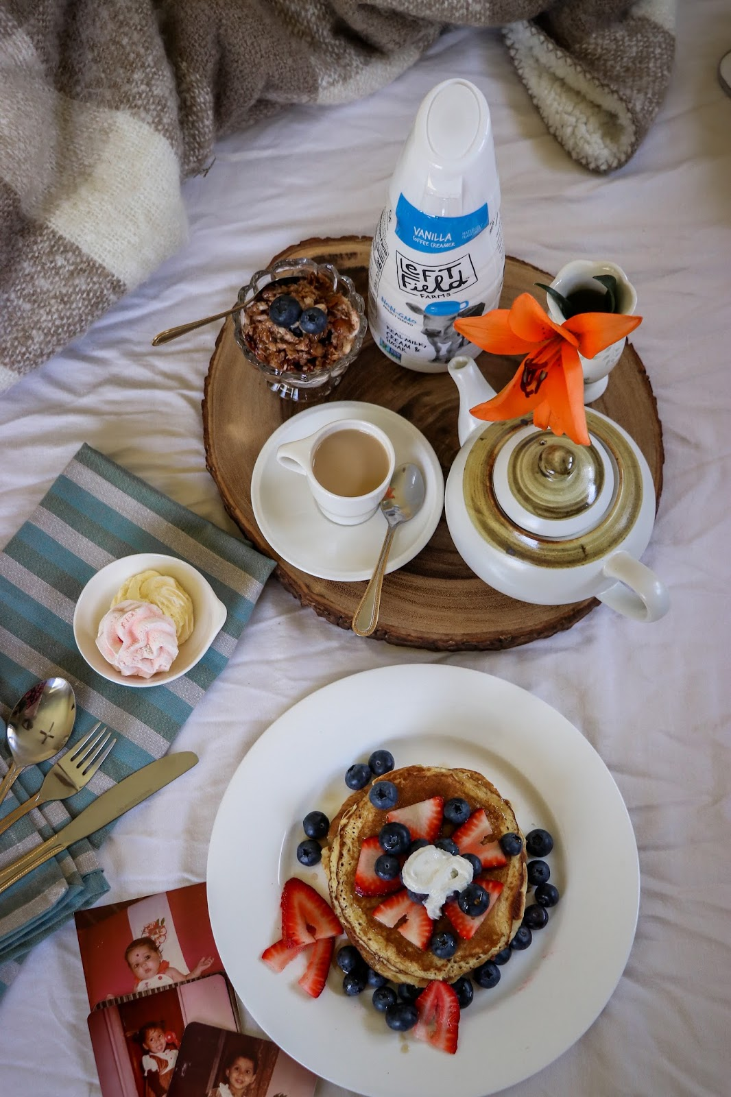 mothers day breakfast in bed, vanilla pancakes made with lefty field farms creamer, pancake recipe, mothers day gift guide, mothers day celebration, myriad musings