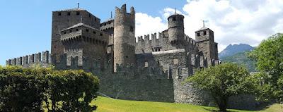Castello di Fenis - Aosta - Luoghi piu' belli in Italia.
