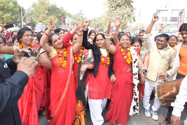 Agitated Asha Workers Celebrate After Celebrating Demands by Haryana Government