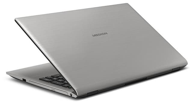 Medion P6687-MD61007: procesador Core i7, gráfica GeForce MX150 y disco SSD (256 GB)