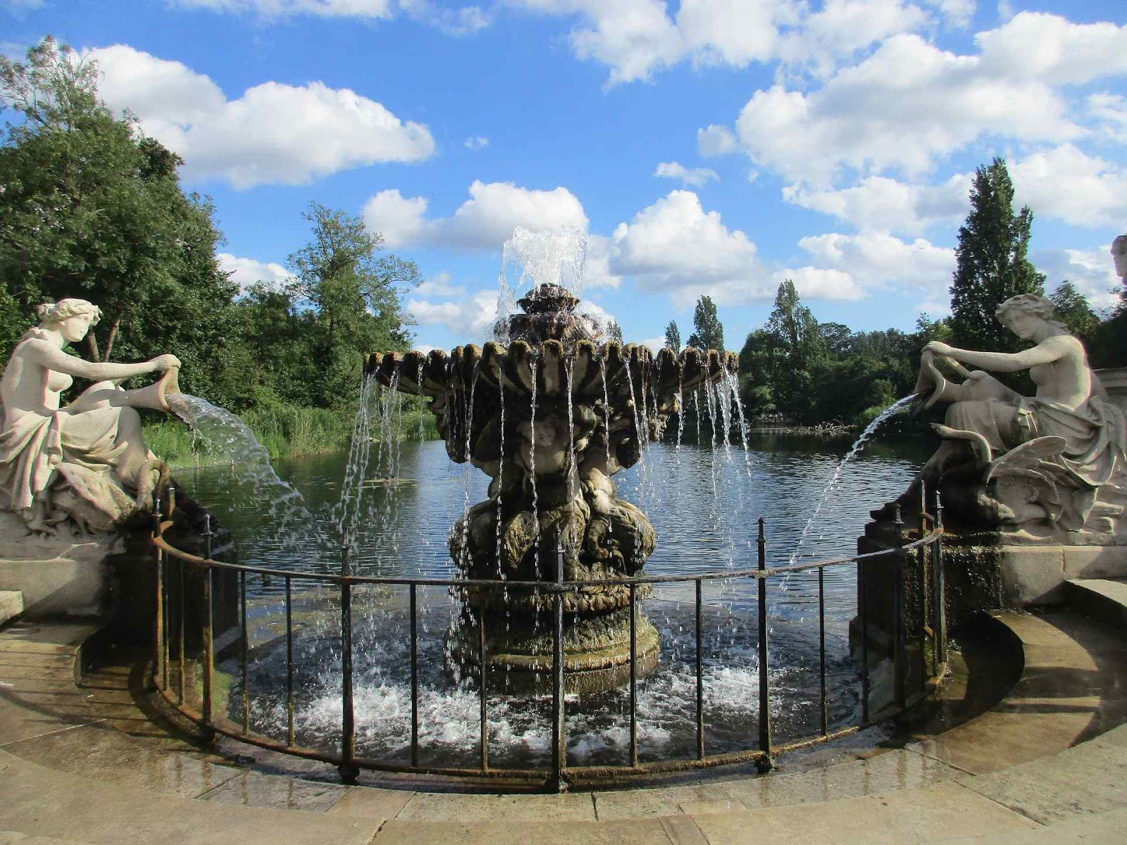 Best Things You Can't-Miss To Do In London - Hyde Park