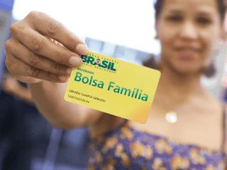 Governo aumenta imposto para bancar novo Bolsa Família