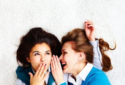 mujeres risas y secretos
