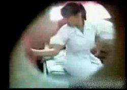 สาวพยาบาลสุดฉาว!!แอบมีsexกับนักเรียนชาย โดนแอบถ่ายไว้ได้รีบดูด่วนก่อนโดนลบ!!