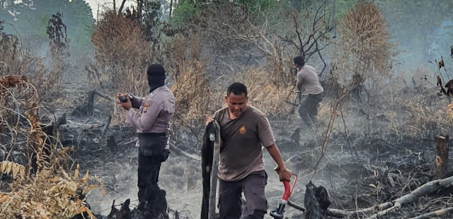 Water Source is Lacking, Fires are Widen in Cikuray Mountain