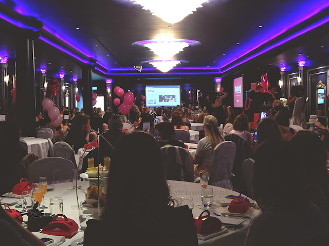 130 Irish bloggers at a blogger event in the G Hotel in Galway