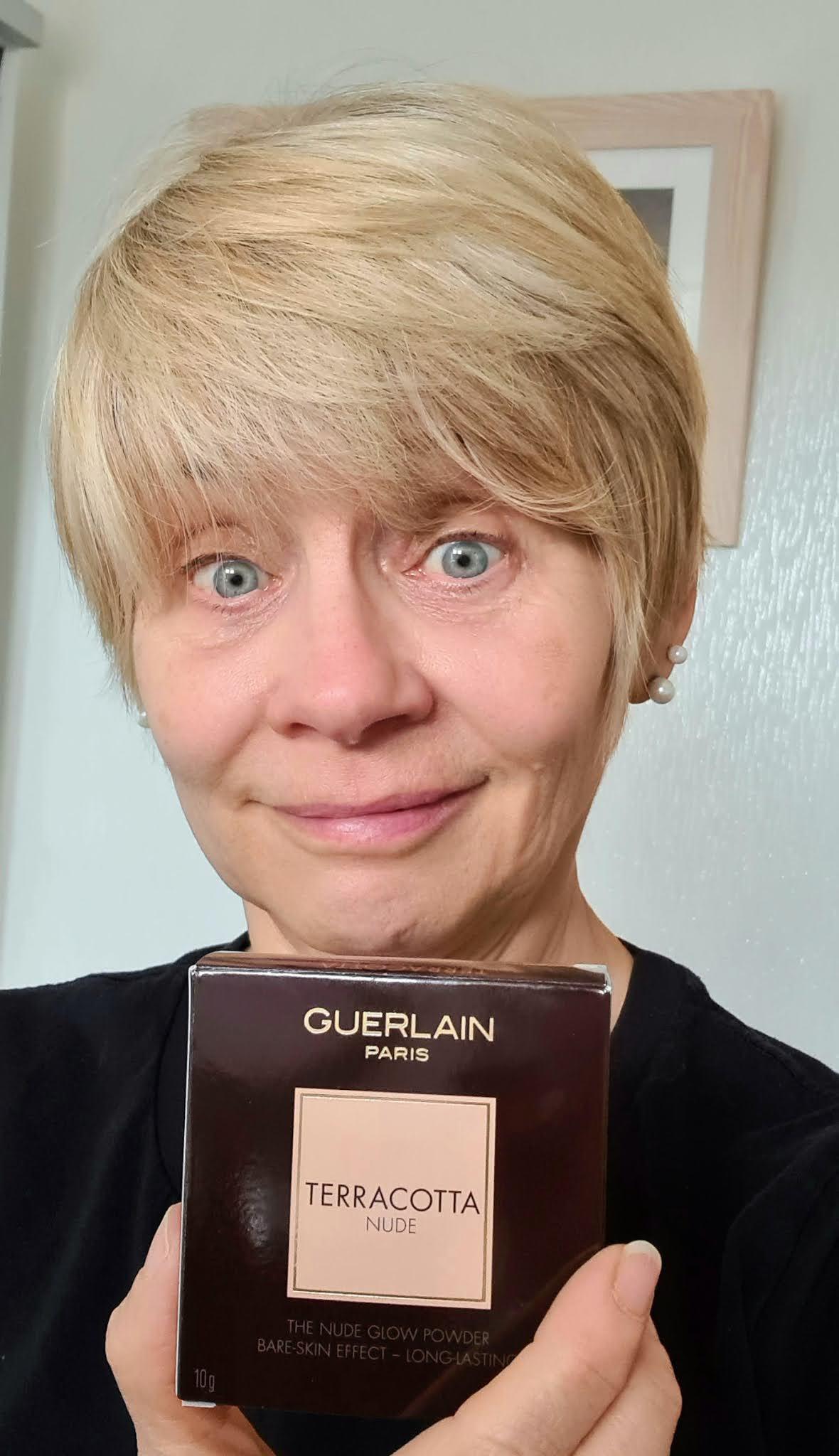 Is This Mutton blogger Gail Hanlon before she has tried Guerlain Terracotta Nude glow powder