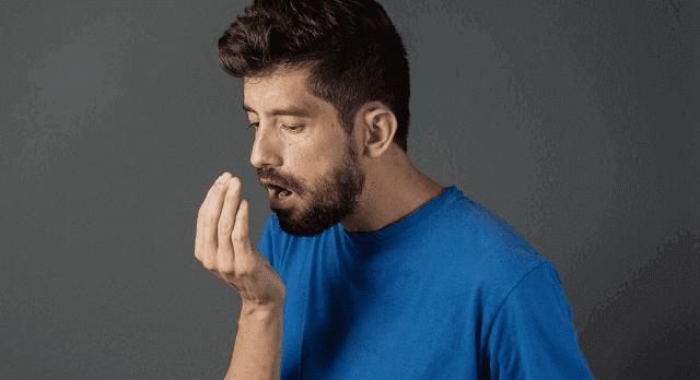 ما اسباب رائحة الفم الكريهة وطرق التخلص منها