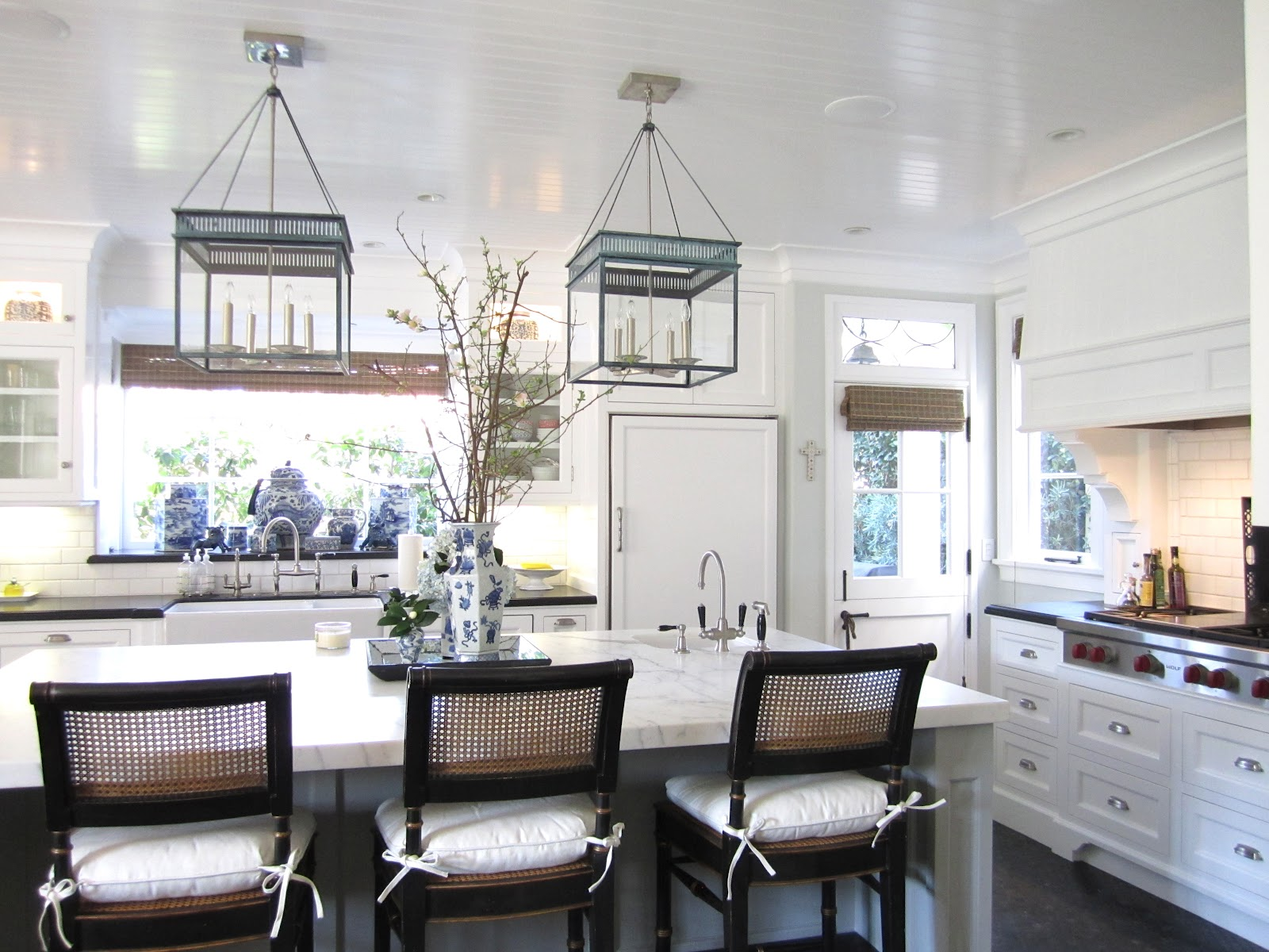 Light Banquette Seating White Subway Tile Just Gorgeous Head Here
