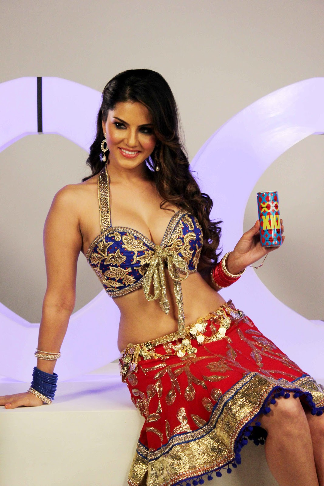 Sunny Leone Latest Hot Photoshoot  Test Vpns-9805