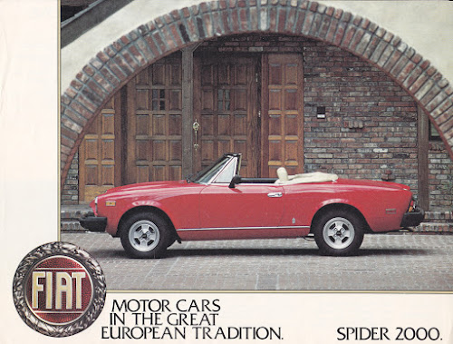 Fiat Spider 2000 w/ four-spoke alloys