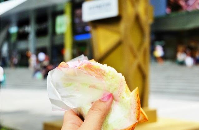 jajan es krim $1 di orchard road singapore