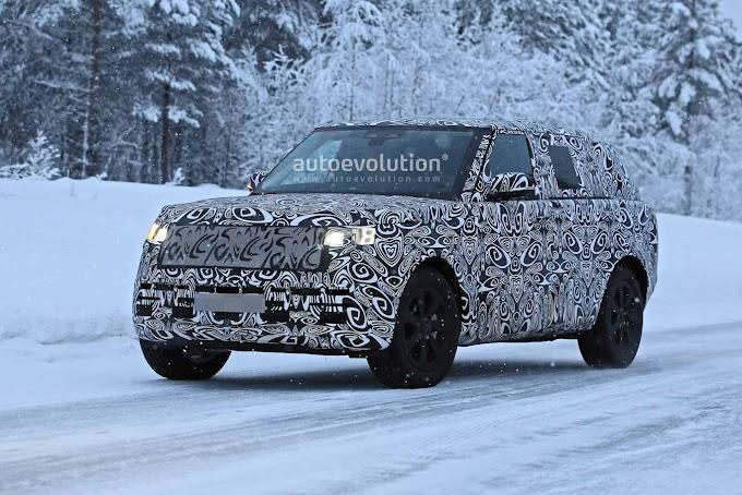 The next gen Range Rover 2022 spy photo
