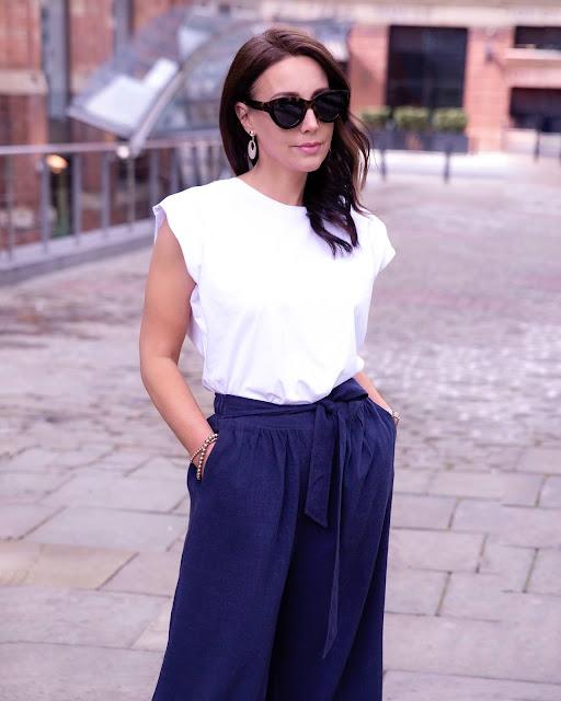 woman in white Tee shirt
