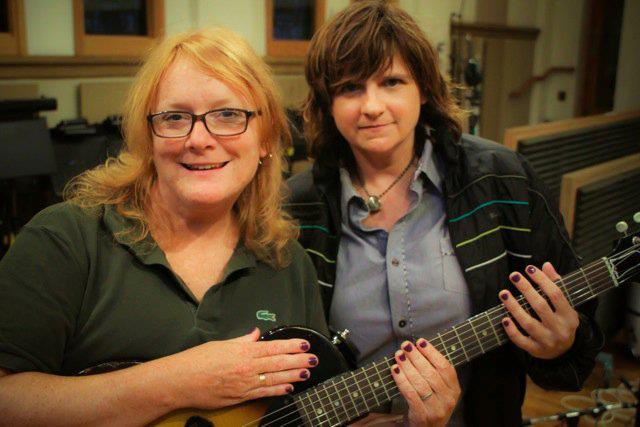 triangle music the indigo girls announces fall tour coming to durham. Black Bedroom Furniture Sets. Home Design Ideas