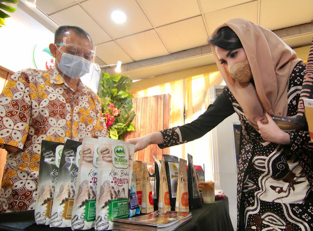 Arumi bachsin hadir di karya kreatif indonesia kki