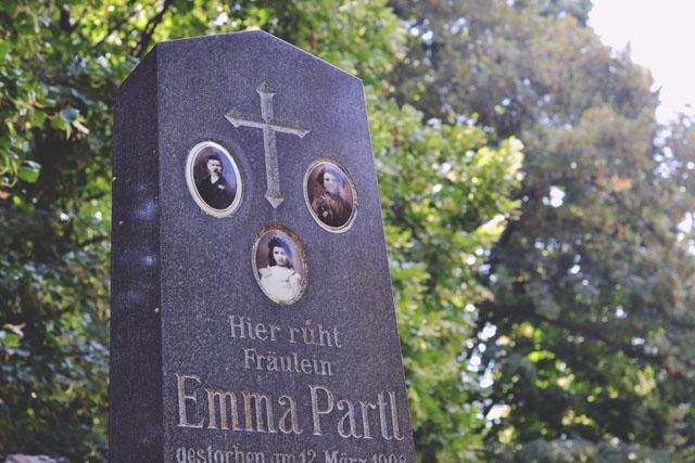 Viennese headstone