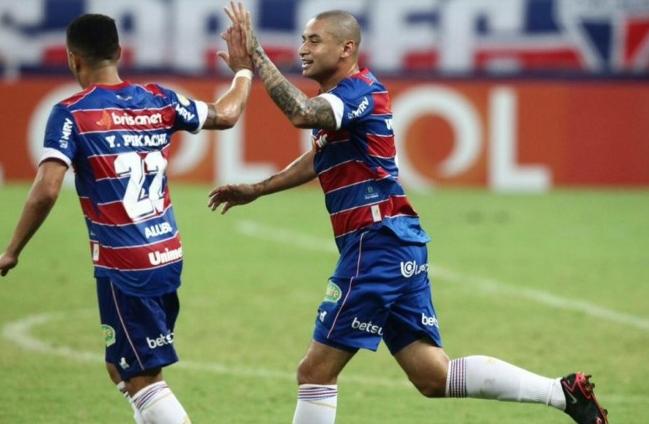 Fortaleza bate Sport-PE e lidera o Brasileirão