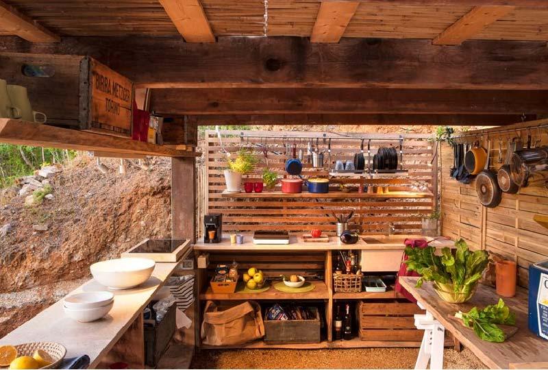cucina da giardino in legno di noce nostrano