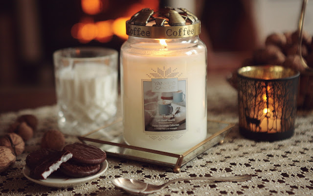 Yankee Candle - Steamed Vanilla Milk (Alpine Christmas Collection) - Czytaj więcej »