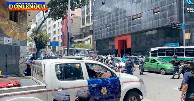 Tiroteo en la Avenida Urdaneta dejó a un PNB ya otro delincuente muertos