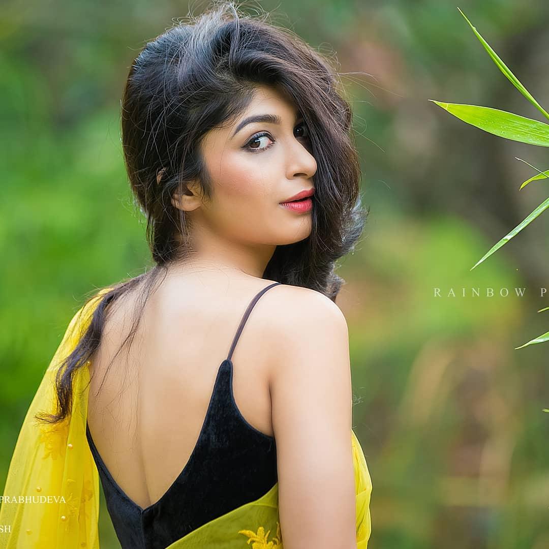 Sandalwood beauty Aditi Prabhudeva' stunning Photo Gallery! 5