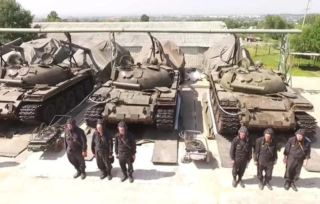 Xe Tank hạng trung T-62